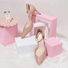 爱丽丝 粉色一字带细跟显瘦显高女士高跟单鞋