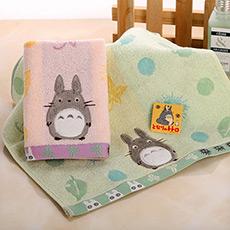 蓬松龙猫纯棉卡通方巾 柔软吸水