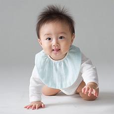泰国进口宝宝婴儿围嘴 口水巾 饭兜 纯棉 棉花糖三重纱